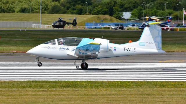 Airbus E-Fan elektromos repülőgép