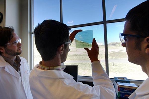 SolarWindow áramtermelő ablaküveg
