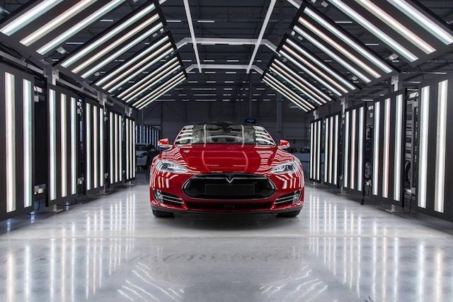 Egy elkészült Model S a Tesla hollandiai gyárában. kép: Teslamotors/facebook