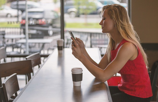 Kávézó okostelefon