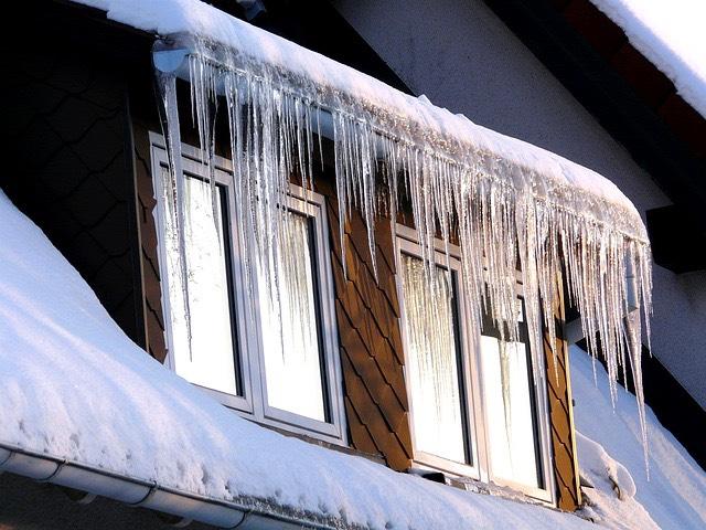 ablak tél hó jégcsap