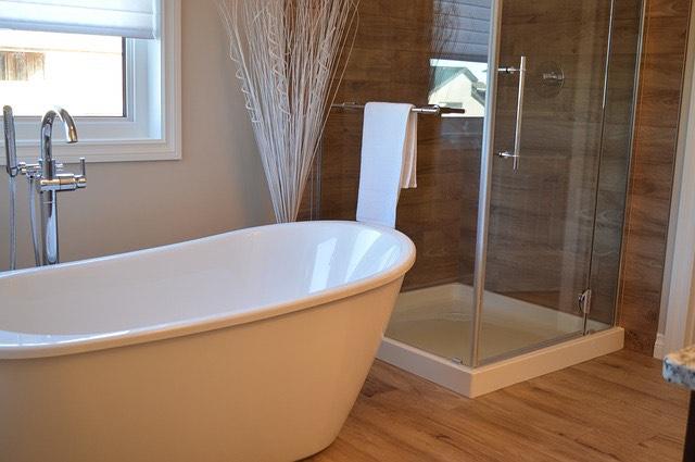 Fürdőkád zuhanykabin
