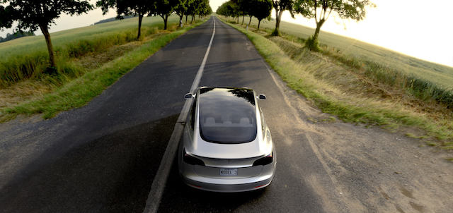 Tesla Model 3-3