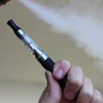 Tilos e-cigarettát használni ott, ahol dohányozni sem szabad