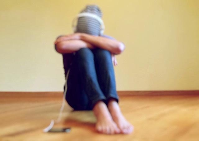 fülhallgató zene depresszió magány