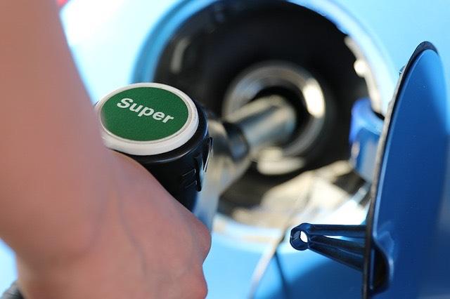 tankolás benzin szuper super