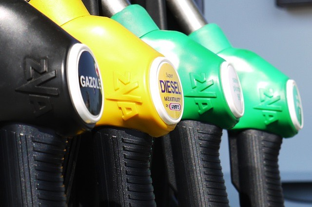 benzinkút tankolás