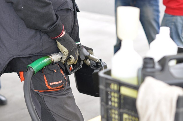 tankolás benzineskanna