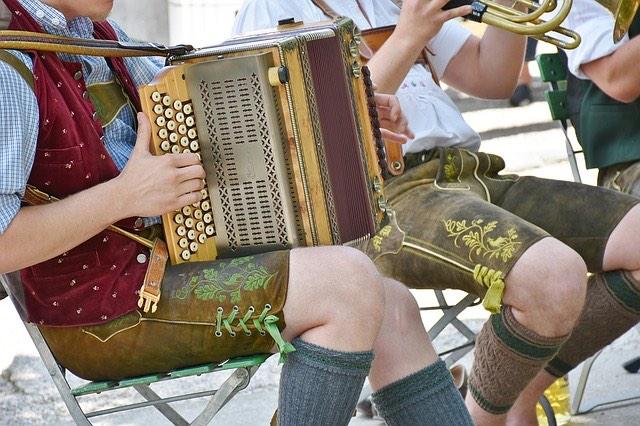 bajor zene Németország hangszer