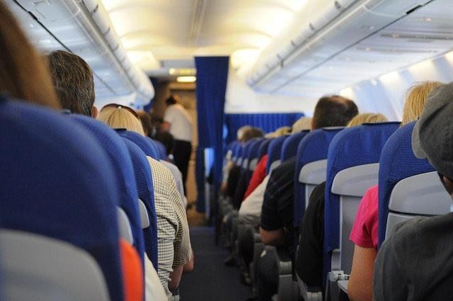 repülőgép utasok