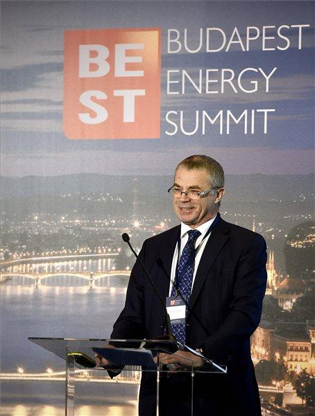Alekszandr Medvegyev, a Gazprom vezérigazgató-helyettese beszédet mond a Budapest Energy Summit konferencián 2016. december 5-én. MTI Fotó: Bruzák Noémi