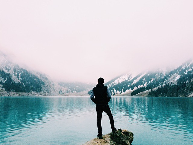 hegyek_tó