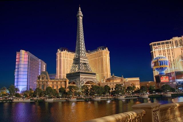 las-vegas-Eiffel-torony