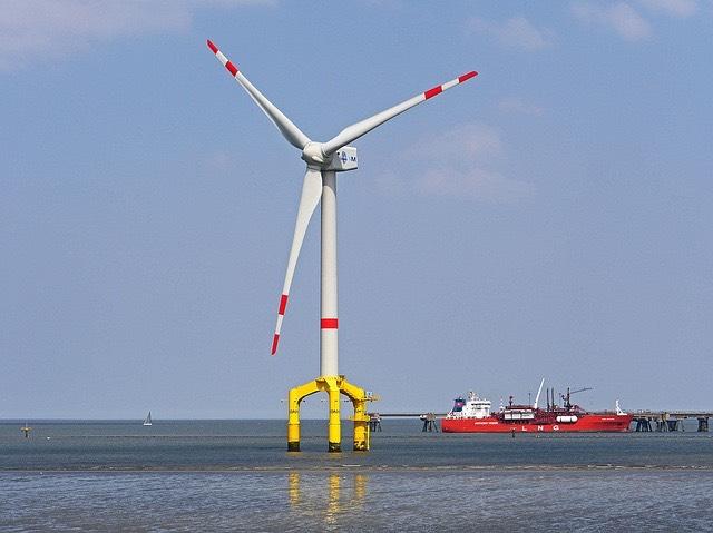 offshore tengeri szélerőmű_LNG_hajó