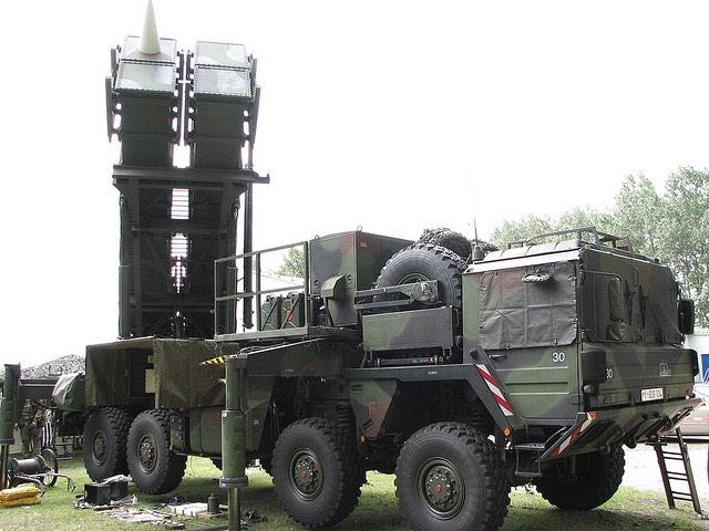 A Bundeswehr Patriot rakétavédelmi rendszere egy bemutatón. kép: yetdark