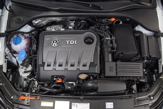 2013 Volkswagen Passat TDI USA 1