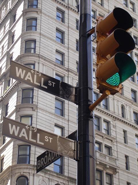 Wall Street New York közlekedési lámpa