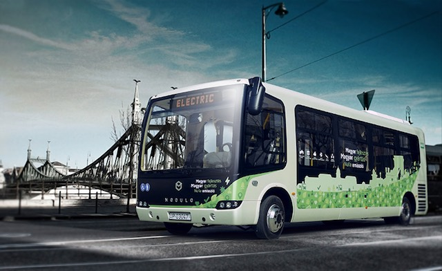 Modulo, a kompozit-karosszériás, magyar elektromos busz. kép: modulo.hu