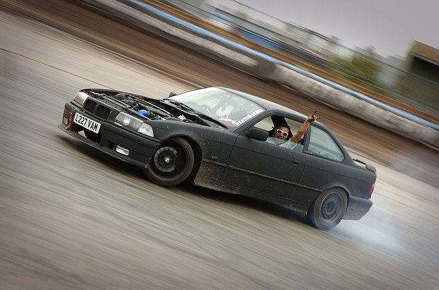 BMW autó füst gumi