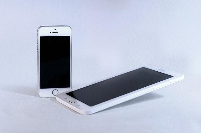 apple-iphone-samsung-galaxy-okostelefonok