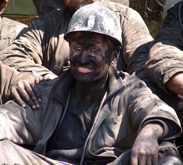 szénbányászok