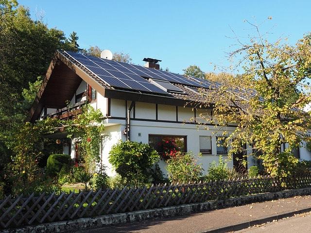 családi ház napelem