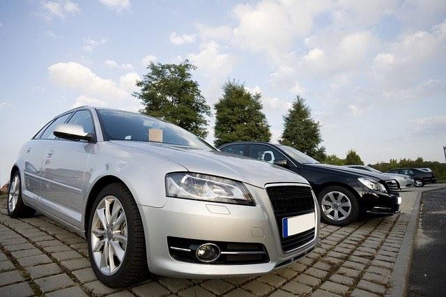 autokereskedés_Audi_Mercedes