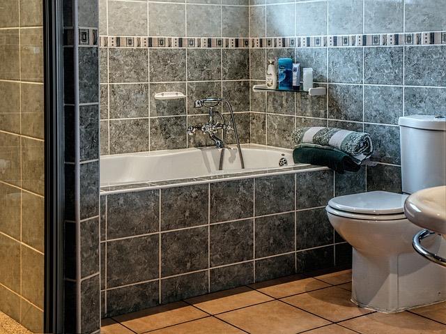 fürdőszoba_WC_fürdőkád